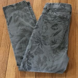 Tribal Jeans Leaf print pants sz 6